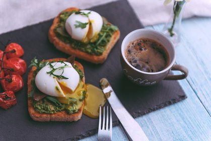 Poached eggs and coffee